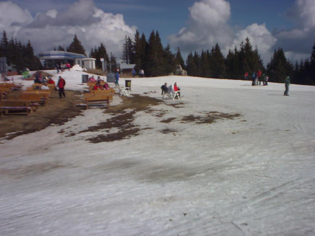Pamporovo ski area The Dam (Yazovira) area webcam archive
